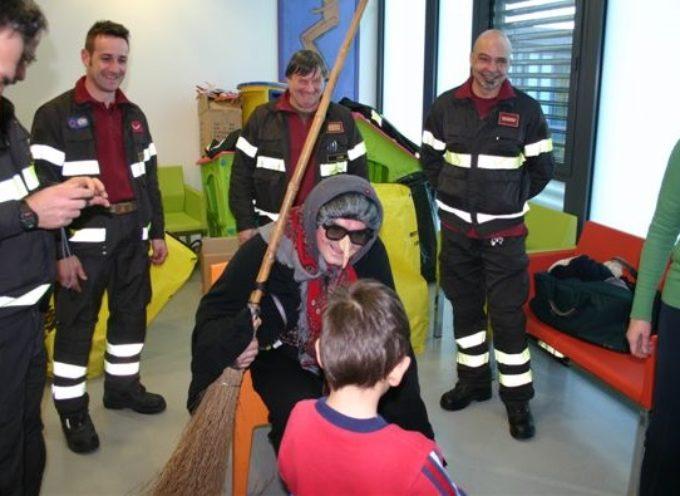 Giovedì 5 gennaio torna la Befana dei Vigili del Fuoco in Pediatria a Lucca