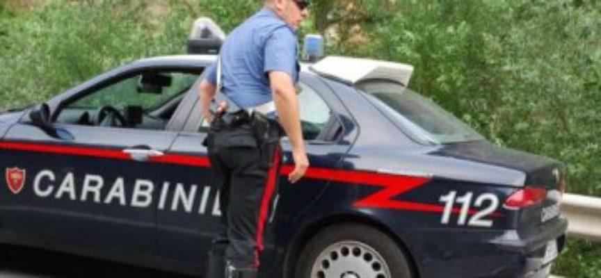 CASTIGLIONE DI GARFAGNANA – Rubano 80 euro ad un pensionato, denunciati due ambulanti