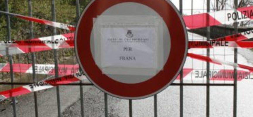 """Garfagnana, chiusa per frana la strada """"Diga di Trombaccio – Fornovolasco"""""""