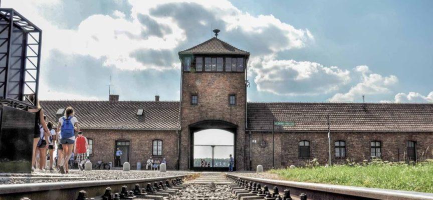 Treno della Memoria: 8 studenti dell'Isi Garfagnana in viaggio verso Auschwitz e Birkenau