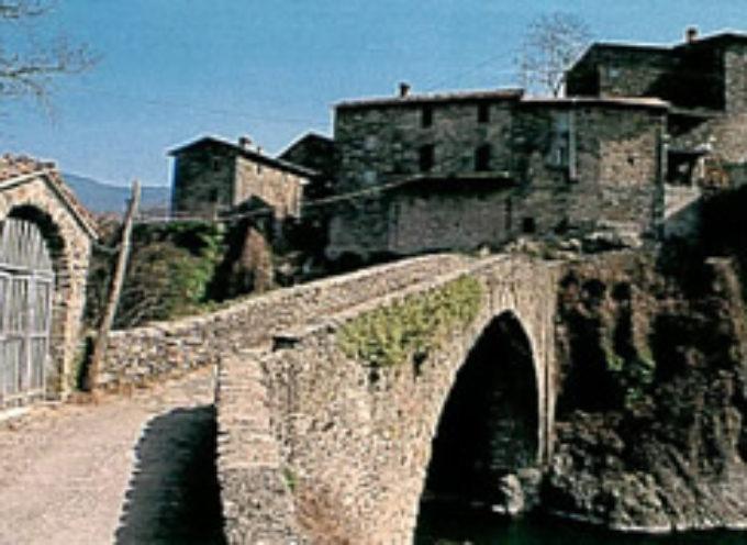 Piazza al Serchio è il più importante nodo viario dell'alta Garfagnana,