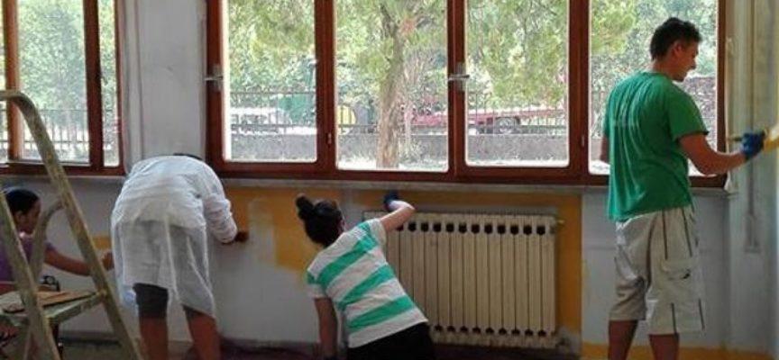 I genitori contribuiscono a rendere bella la Scuola di Porcari