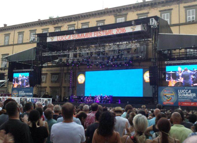 Lucca Summer Festival: scattano i divieti legati alla vendita di bevande alcoliche e ai contenitori di vetro e metallo