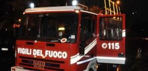 vigili-del-fuoco-notturna-incendio-stabilimento-balneare-italo-calvino-sanremo-febbraio-201321_641870-e1484726738325