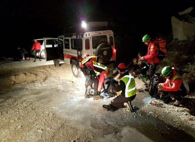 Escursionista viareggino cade sul monte Forato, recuperato dal Soccorso Alpino