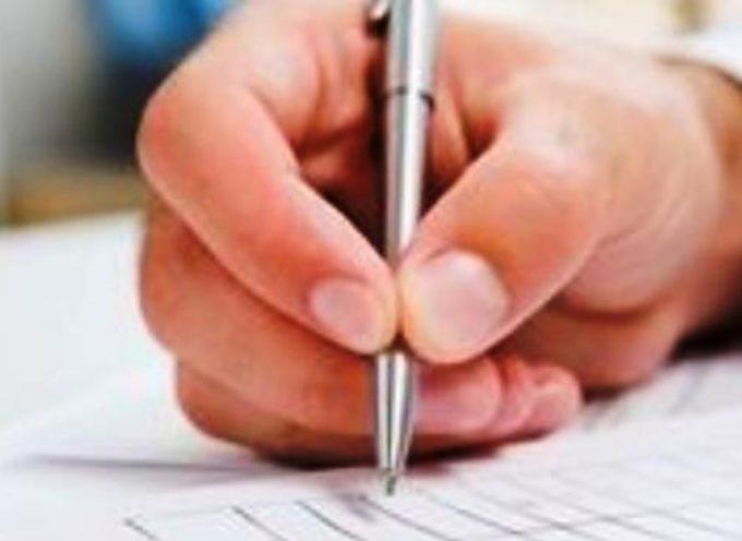 lucca – Contratti per servizio telefonico, con firme falsificate.
