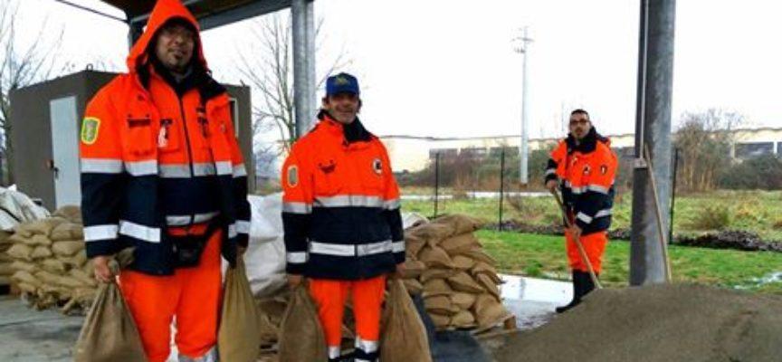 capannori  –  nella sede del consorzio la distribuzione dei ballini di sabbia