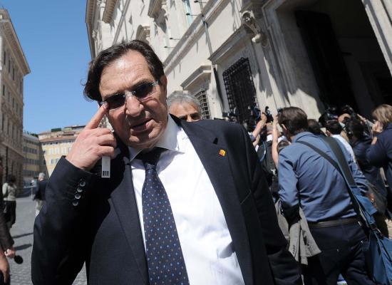 SICILIA, L'ISOLA CHE NON C'E': FORESTALI, FINTI MALATI E VITALIZI