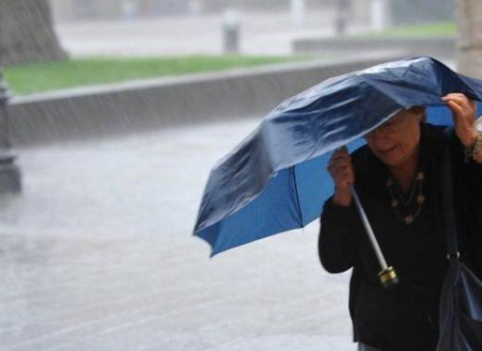 Ancora maltempo, è di nuovo allerta pioggia, codice giallo a lucca e provincia