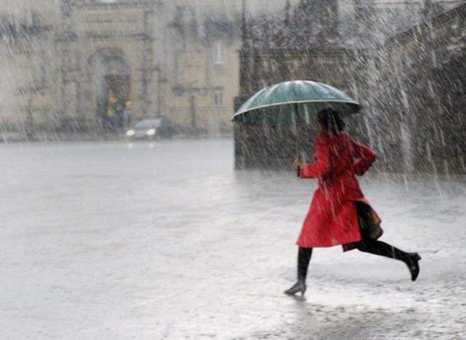 lucca – Meteo: pioggia e vento forte da stasera fino a domani pomeriggio