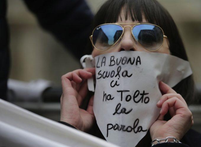 ALTERNANZA SCUOLA LAVORO IN ITALIA? GIOVANI SFRUTTATI A PULIRE I BAGNI!