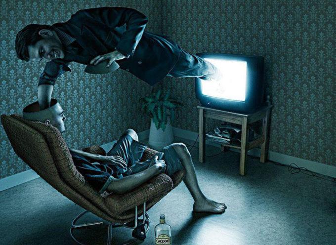 LA TV? LA GUARDANO ORAMAI SOLO GLI ANZIANI! IL WEB SPAZZERA' VIA TUTTI!