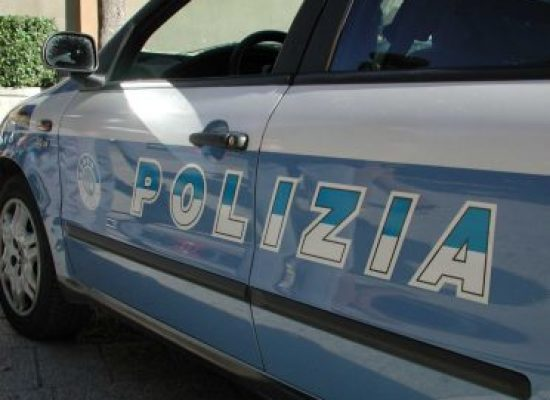 Picchiava la moglie da anni: arrestato quarantenne