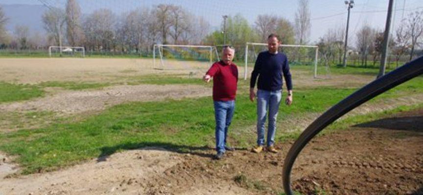 Il campo sportivo di Lammari sarà allacciato alla fognatura pubblica.