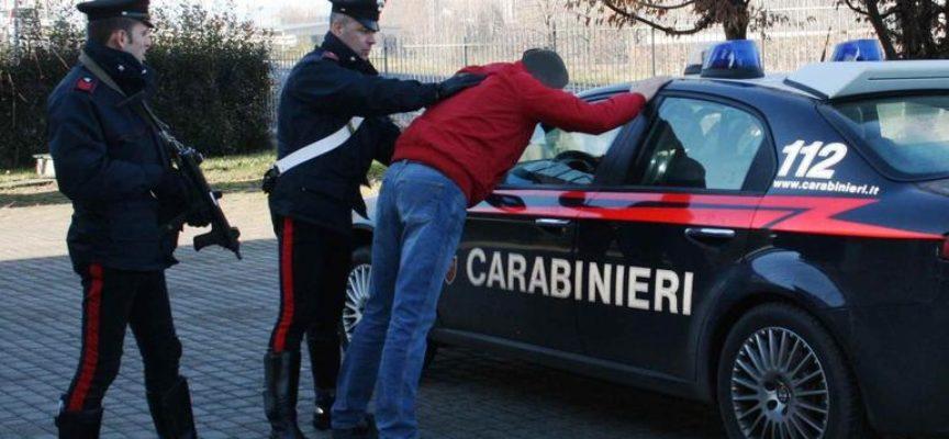 Carabinieri arrestano per violenza un giovane albanese