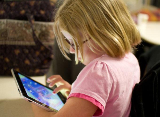 Non dare mai ai bambini il tablet prima di farli andare a dormire.