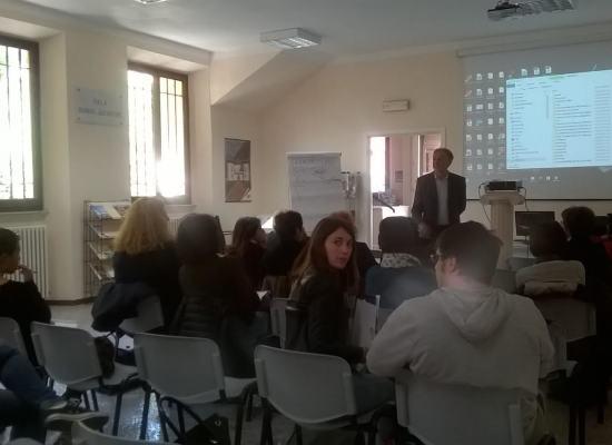 corso di formazione gratuito addetti agli uffici informazione e Accoglienza Turistica della Provincia di Lucca