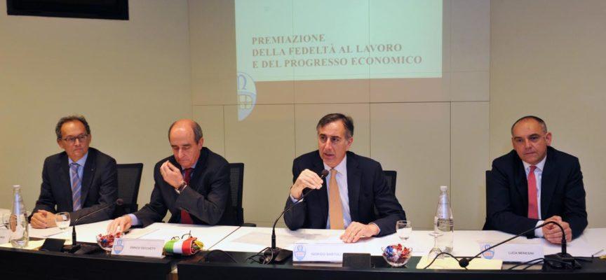 lucca – Alla Camera di commercio si è celebrata la cerimonia di premiazione della Fedeltà al lavoro e del Progresso economico