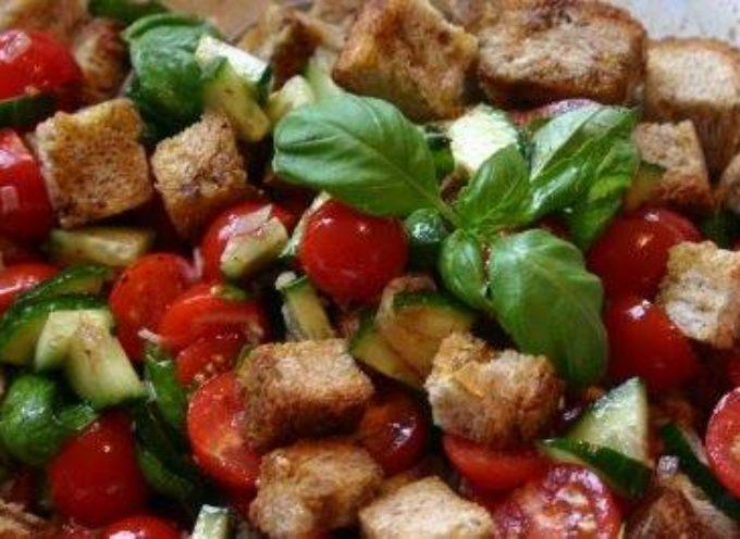 la PANZANELLA  piatto tipico estivo