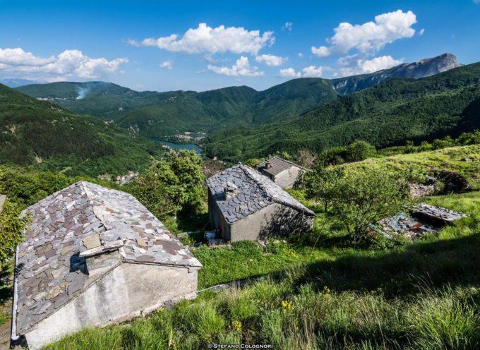 Campocatino è un'oasi immersa nel verde ai piedi del Monte Roccandagia.