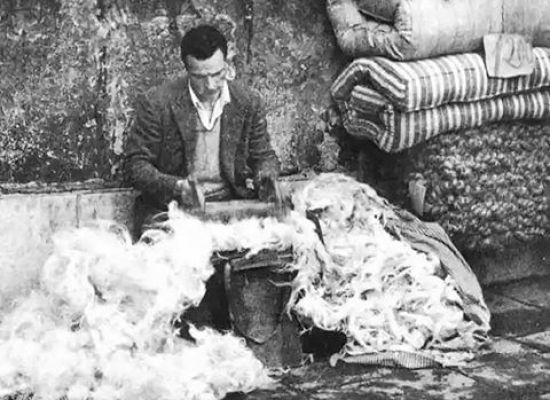 Il cardatore di lana a domicilio
