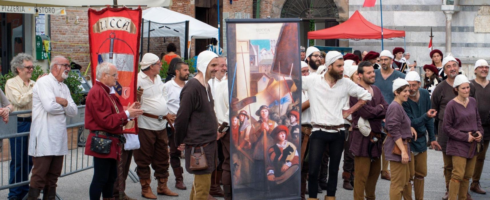I balestrieri di San Paolino si riconfermano a Lucca Medievale