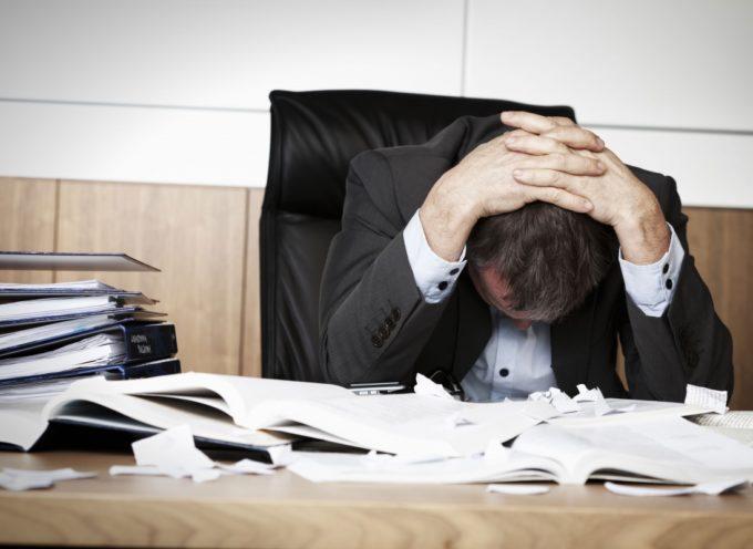 LAVORO, STRESS, SACRIFICI… IL RICAMBIO? CALCI E UMILIAZIONI ALLA FINE DEL MESE