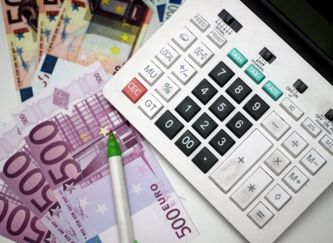 UN  MALATO DI CANCRO SU 5 PIENO DI DEBITI PER CURARSI