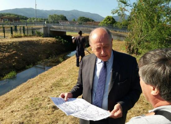 Parte la manutenzione dei corsi d'acqua della cintura sud-ovest della città: stamani sopralluogo assieme al sindaco Tambellini sui cantieri di San Concordio, Pontetto, Sorbano e Sant'Anna