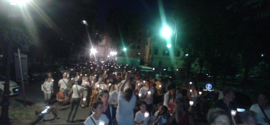 Lucca: Fiaccolata per la libertà vaccinale, oltre 1500 i partecipanti