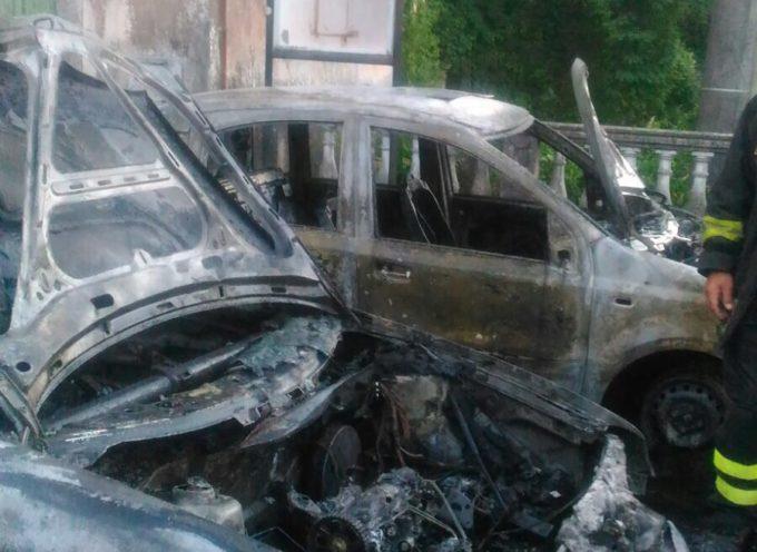 A fuoco tre auto a Bagni di Lucca