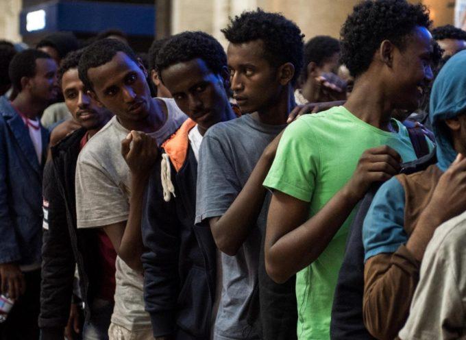 Ultima ora, i migranti sbarcano dalla Diciotti