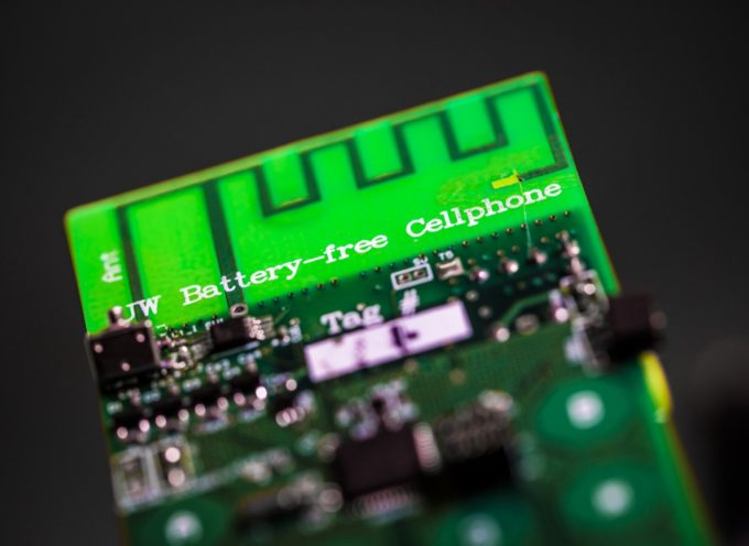 Il cellulare del futuro sarà privo di batterie