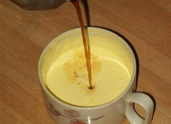 Il caffè-uovo, il ricostituente di una volta.