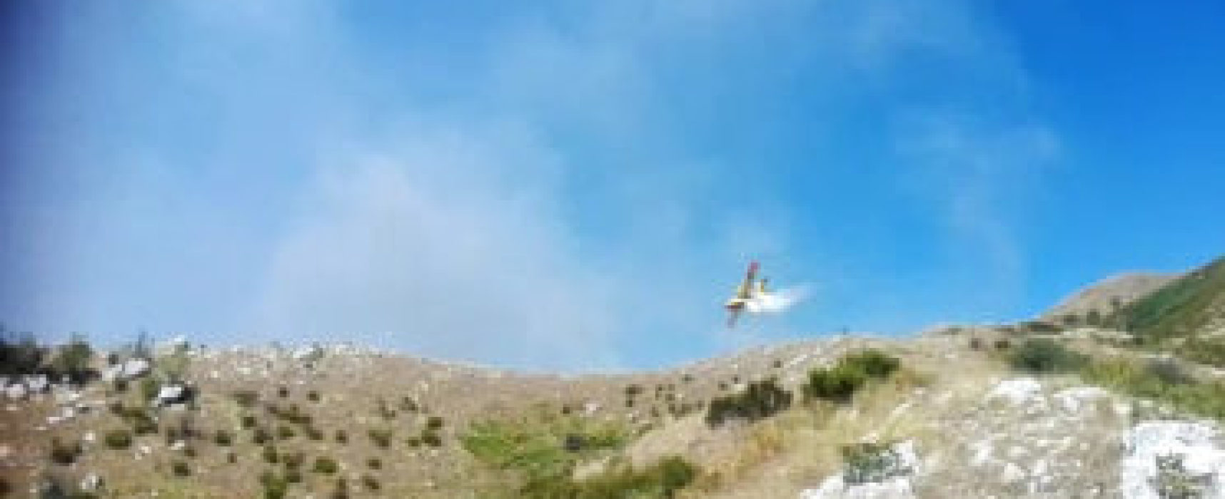 Maxi incendio sul monte Prana
