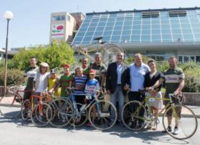 """Domenica 27 agosto la seconda edizione della corsa ciclostorica per bici d'epoca """"La Vinaria"""""""