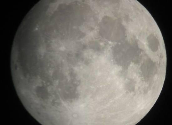 L'Unione Astrofili Lucchesi ha organizzato l'osservazione telescopica della Luna per la sera di Venerdì 1 Settembre 2017.