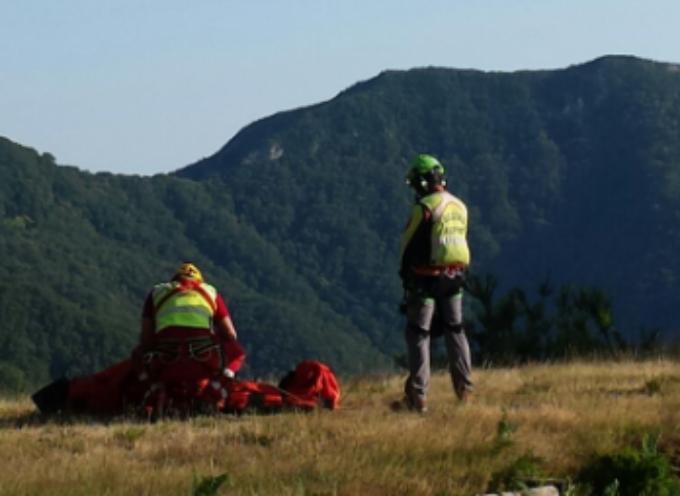 escursionista scivola dal sentiero, soccorsa dal Sast di Querceta