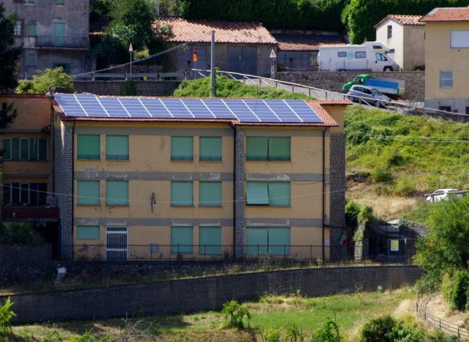 Pannelli fotovoltaici e pompe di calore alle scuole secondarie di Pescaglia e San Martino in Freddana, procedono i lavori