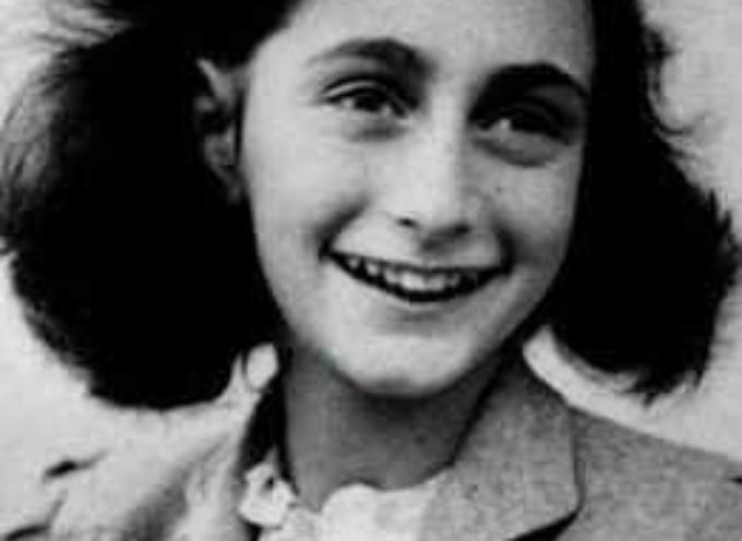 accadde oggi 3 settembre 1944: Anna Frank e la sua famiglia sono caricati sul treno che li porterà ad Auschwitz.