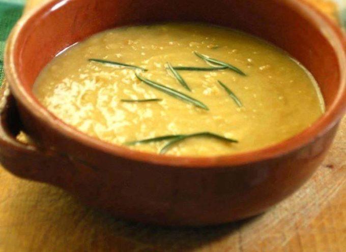 La ricetta campagnola: zuppa di ceci e patate.