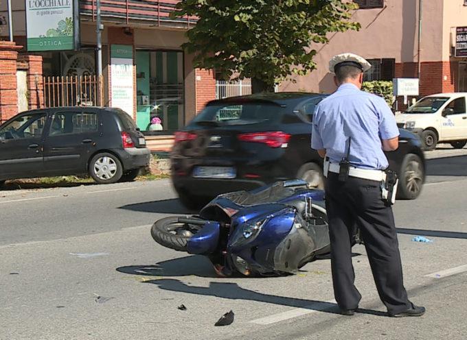 GRAVE INCIDENTE A NAVE  – In scooter contro un'auto; si frattura il bacino ed il femore