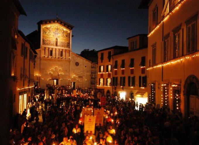 Sì accendono i lumini per la Processione di Santa croce