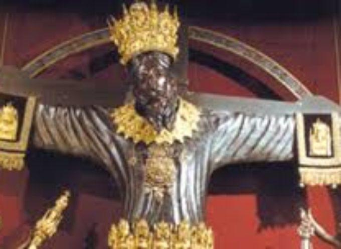 Il Volto Santo e la Luminara di Santa Croce