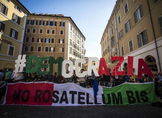 LEGGE ELETTORALE: FIGURACCIA INTERNAZIONALE PER L'ITALIA.