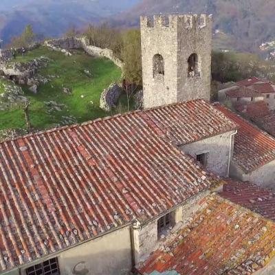 VIAGGIO IN MEDIAVALLE    La Rocca di Borgo a Mozzano