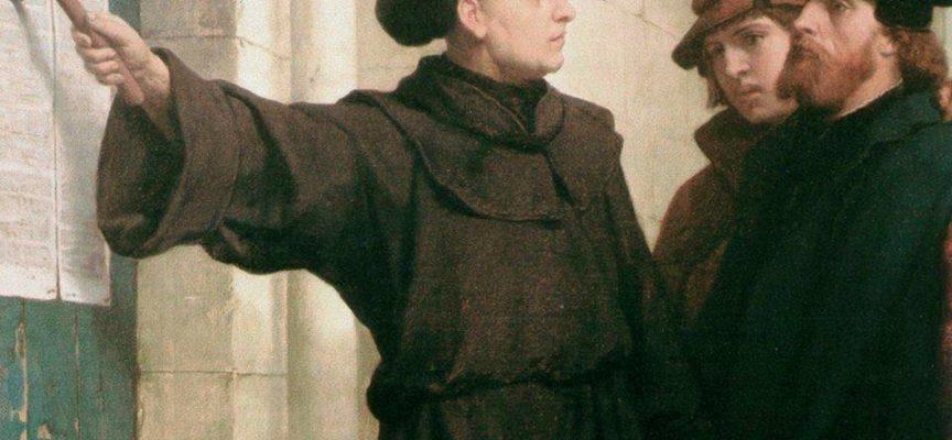 ACCADDE OGGI – 500 anni fa, il 31 Ottobre del 1517, Martin Lutero affigge le sue 95 tesi sulla porta della chiesa di Wittenberg