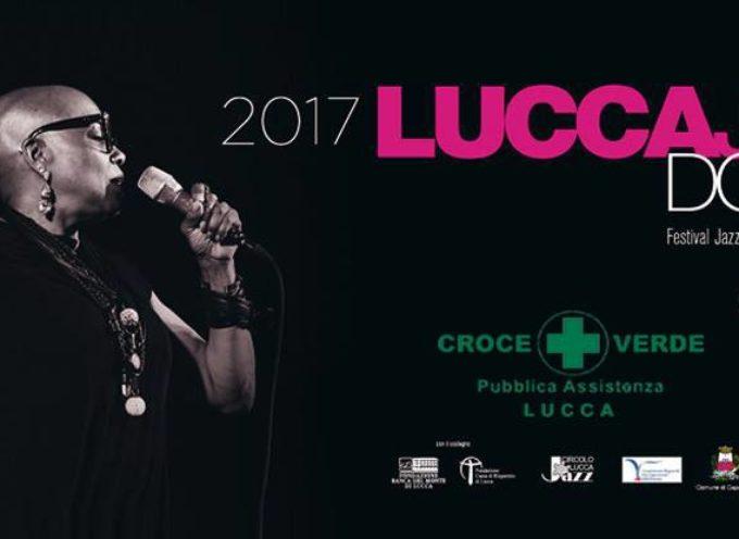LUCCA JAZZ DONNA 2017, AMII STEWART CANTA PER LA CROCE VERDE