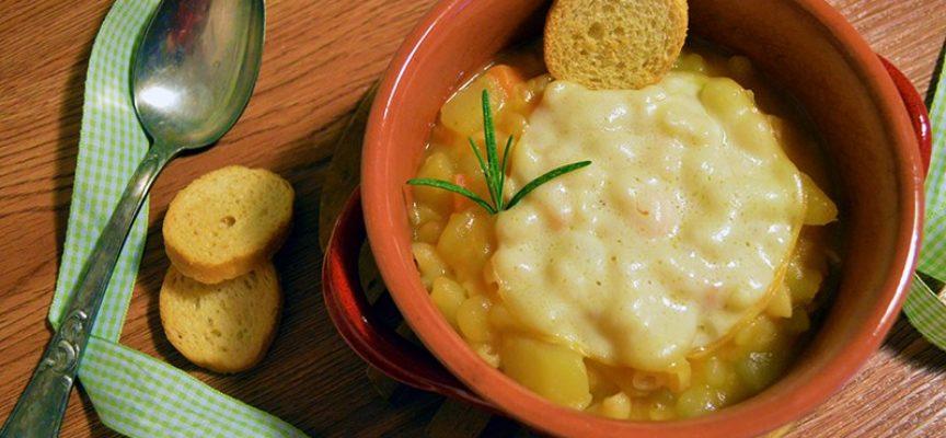 LA Ricetta pasta e patate alla napoletana,  come piatto invernale, caldo e molto nutriente