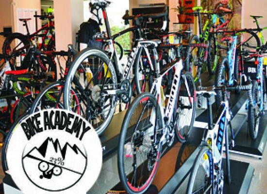 Guamo, furto al negozio Bike Academy; rubate bici per un valore di 60mila euro
